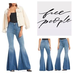 🆕Free People Just Float On Flare Jeans.  NWOT.